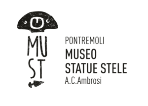 logo museo statue stele